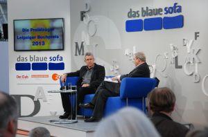 Auf dem Blauen Sofa: Helmut Böttiger (l.) im Gespräch mit Moderator Wolfgang Herles.
