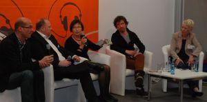 Kassetten-Freunde: Wolfgang Stockmann (v. l.), Marc Sieper, Andrea Herzog, Björn Akstinat und Moderatorin Anne Künstler.